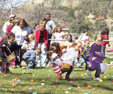 300 Kids...2,500 Eggs...53 Seconds