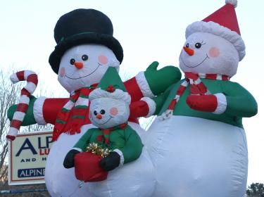 "Mountain Memories Association brought Frosty the Snowman's family to town last year. This year you'll see ""Cartoon Christmas"" theme floats."