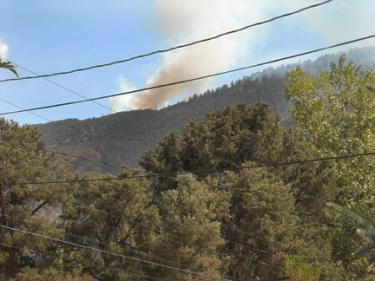 John Gomez of Frazier Park sent this photo of the fire through The Mountain Enterprise Breaking News webpage.