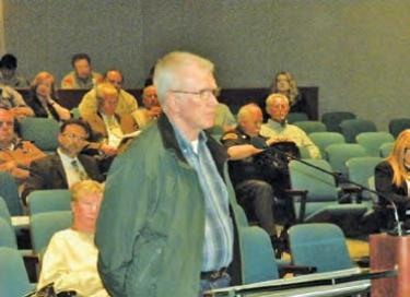 Retired Army Corps of Engineer logistics specialist Robert Lame, of Pine Mountain, spoke to the Kern County Board of Supervisors against the poor proof of water supply presented by the Frazier Park Estates developer. [Hedlund photo]